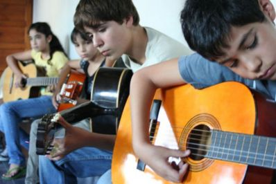 aprender instrumentos musicales